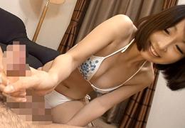 日本浜辺の美少女を感覺超開放的 光看封面就色了