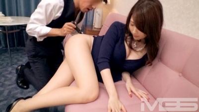 [極品限定美女]巨乳長腿正妹OL 柏木美月 27歳 為了錢就拍AV