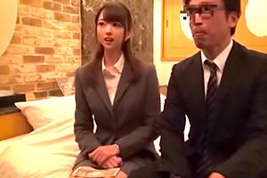 日本上班族表示可以中出年輕嫩妹社員是每天上班的原動力….