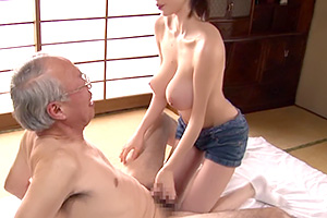"神乳100cm 天然乳牛爆乳介護士 吉川あいみ Twitter: ""爆乳參上!24歲「美乳介護」 神乳"