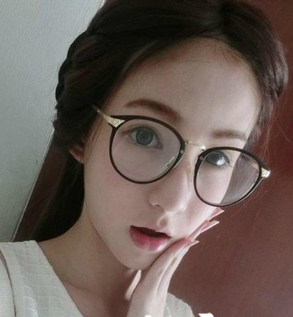 戴眼鏡悶騷的華裔妹妹和老外男友愛愛 全系列視訊愛愛影片分享