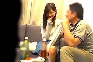 [免費直播日本A片]超受虐狂美少女看護學生和前輩喝酒醉學習性行為